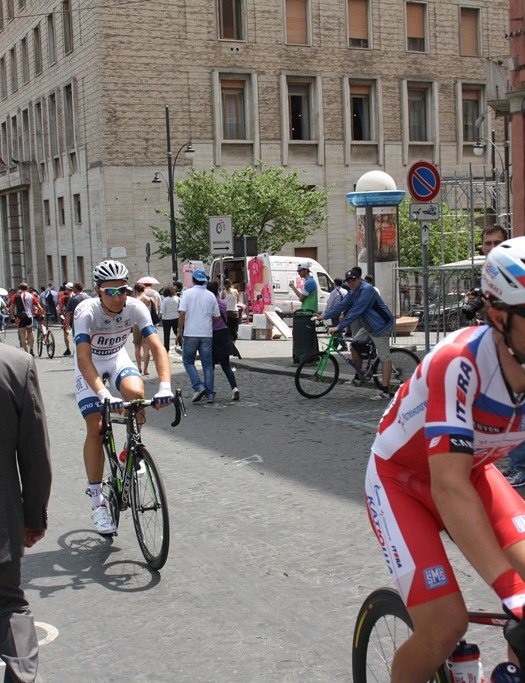 The Giro Air Attack in Katusha colours