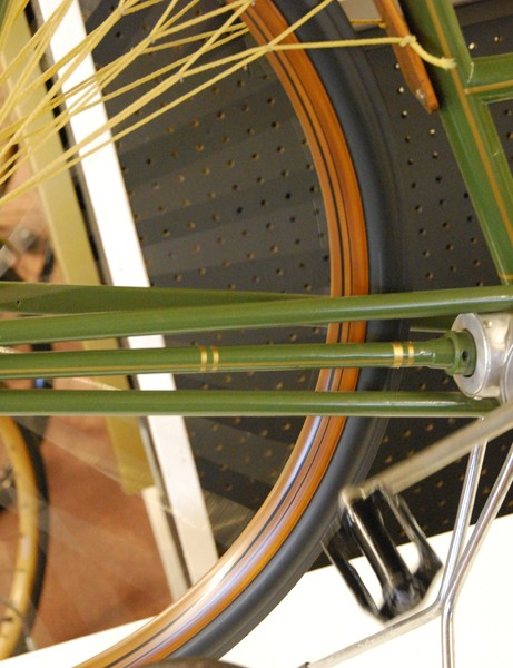 A screw drive system on a 1890s bicycle