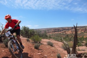 30-39 amateur men's winner Joe Saperstein making it look easy out on the Mag 7 trails
