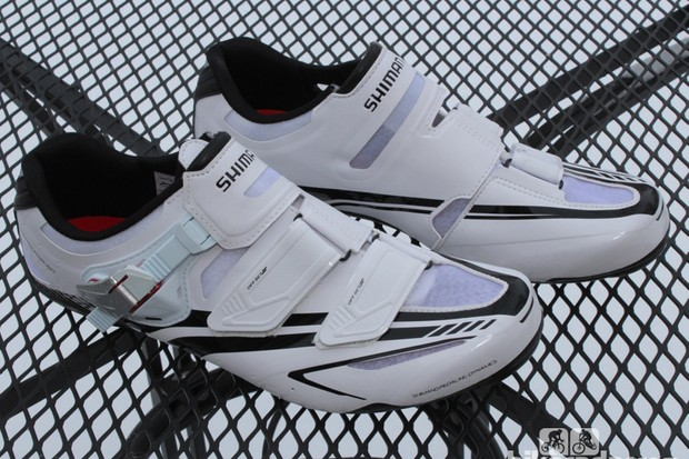 Shimano's R170W road shoes use a synthetic leather upper