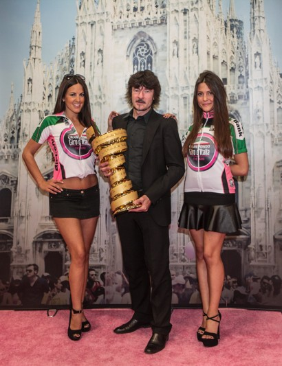 Riders who participated in the Giro d'Italia Gran Fondo as part of the TD Five Boro tour could pose with the Giro trophy, just like former world champion Gianni Bugno is doing here