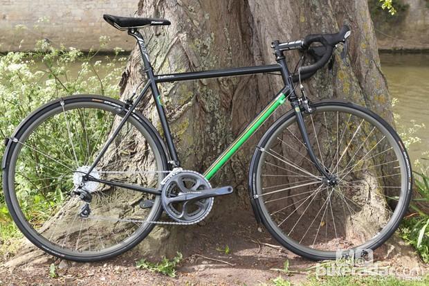 The Genesis Equilibrium Anniversary Edition is a comfort-focused Reynolds 853 steel road bike