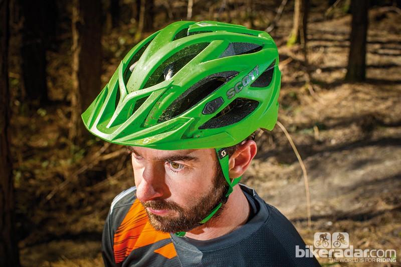 Scott Lin helmet