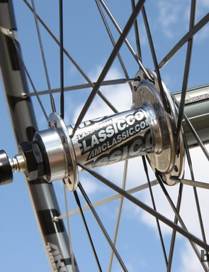 The rear hub features differential spoke flange diameters to improve the bracing angles