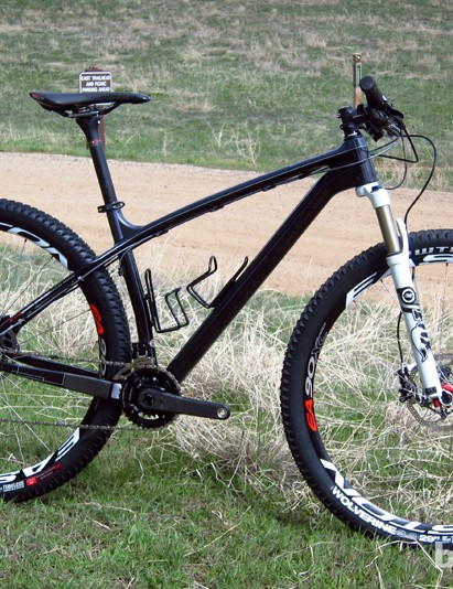 Diamondback has followed up the successful debut of its aluminum 29er hardtails with a new carbon fiber range called Overdrive Carbon
