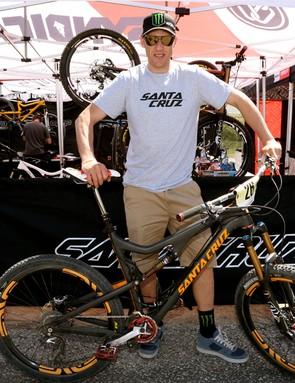 Steve Peat managed eighth on the new 650b Santa Cruz Bronson