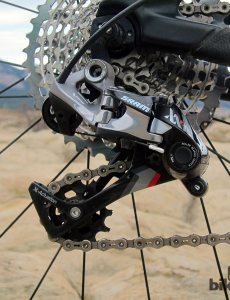 The upcoming SRAM X0 X-Horizon 1x11 rear derailleur will likely look similar to the current XX1 unit, including the cable pulley, non-slant parallelogram geometry, and clutched pulley cage