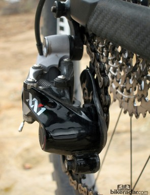SRAM claims its X-Horizon non-slanted parallelgram mechanism yields more precise chain movement than traditional geometries