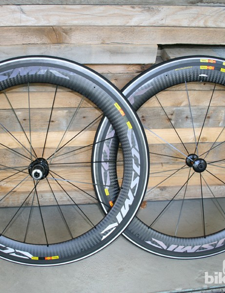 The Mavic Cosmic Carbone CXR 60 C wheelset (the clincher version)