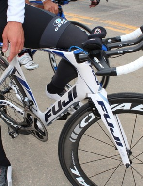 The Norcom Straight features an inset stem that sits flush with the top tube