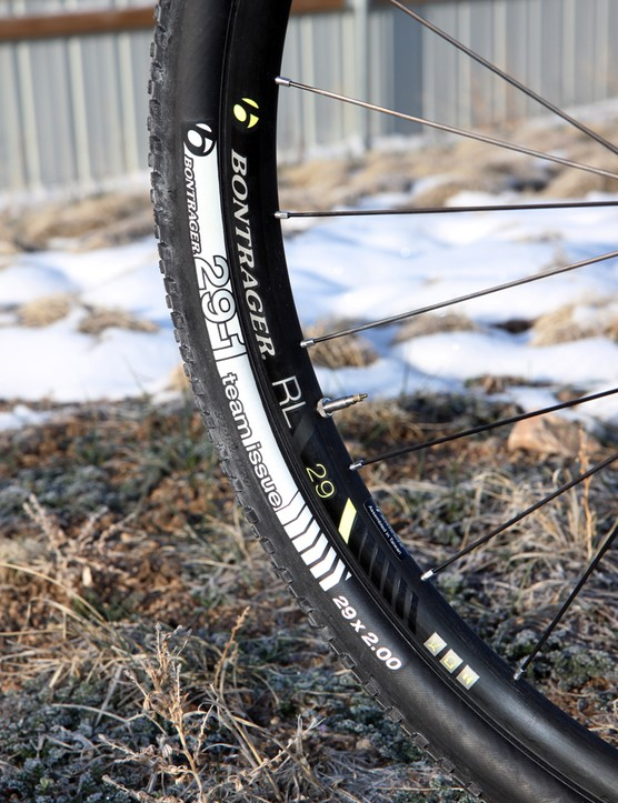 The Bontrager Race Lite TLR 29 CL wheels are reasonably light and held up well during testing