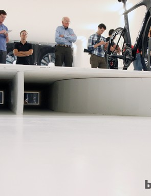 Air is allowed to pass underneath the measurement platform. The turntable housing has a teardrop cross-section