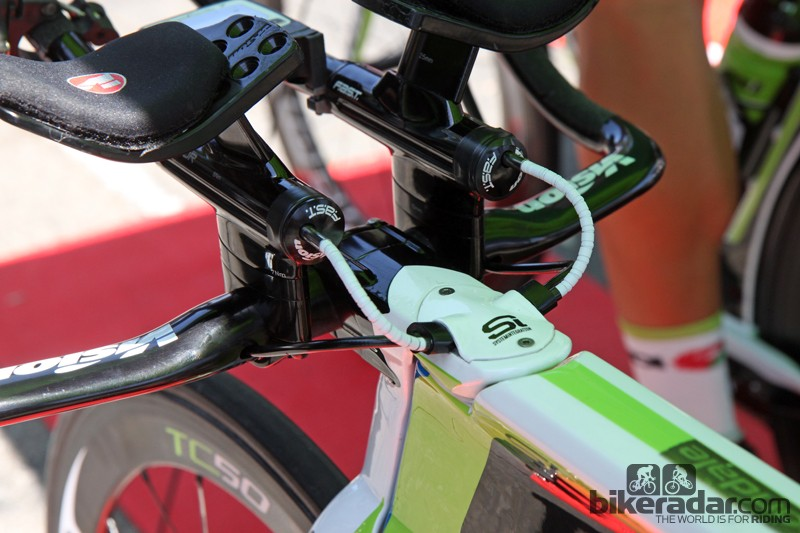 Novel cable routing on Cannondale Pro Cycling's Cannondale Slice time trial bikes