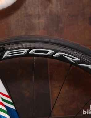 The Bora Ultra 35 fills a gap between Campagnolo's lightweight climbing wheel, the Hyperon, and the deeper aero wheel, the Bora Ultra 50mm