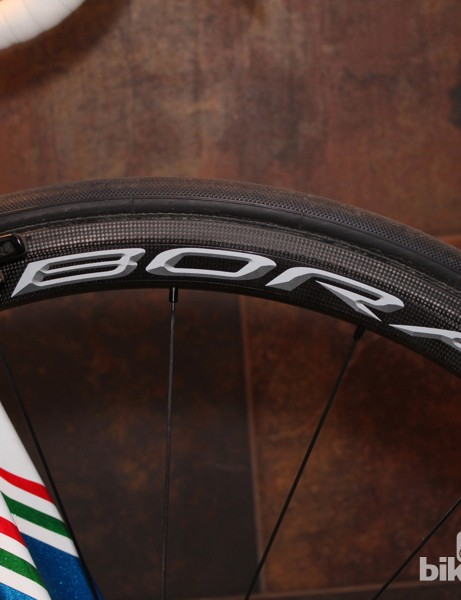 The Bora Ultra 35 fills a gap between Campagnolo's lightweight climbing wheel, the Hyperon, and the deeper aero wheel, the Bora Ultra 50mm