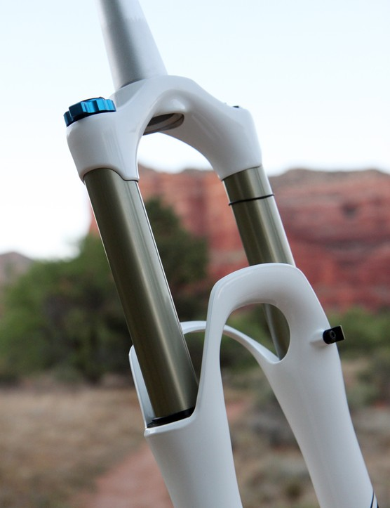 The 32mm stanchion diameter may be smaller than what's available on some other long-travel 29er forks but the dual arch design should help offset that to some degree, at least in terms of torsional stiffness.