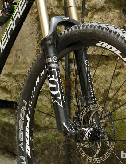 Front suspension comes in the form of a Fox 32 Float Evolution CTD fork