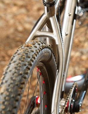 American Classic 650 wheels shod in Schwalbe rubber keep you spinning