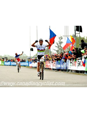 Nino Schurter (Scott Swisspower MTB Racing Team) wins the men's cross country