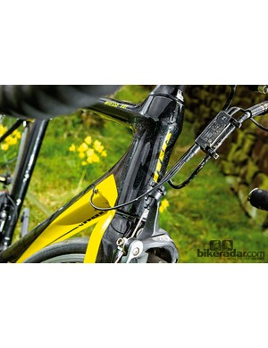 The short head tube allows you to get down low