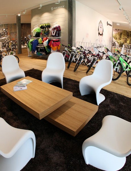 The concept aims to provide a friendly and open environment for cycling enthsuiasts to find a new bike or kit along with valuable buying advice
