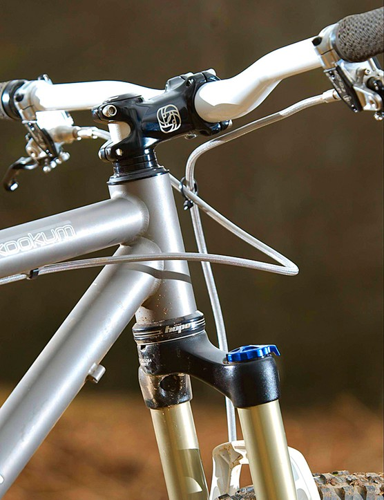 The stem and bars are provided by Gusset