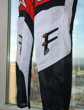The Alpinestars A-Line Pants look admirably airy thanks to a generous helping of mesh