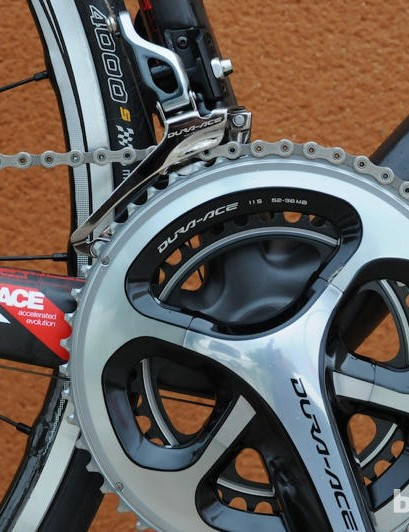 The Shimano Dura-Ace 9000 crankset came with 52/36 chainrings, which were ideal for the hills we encountered on our test ride