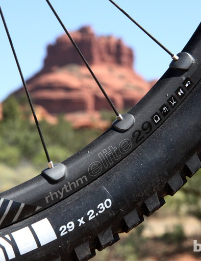 The new Bontrager Rhythm Elite rim has an internal width of 22mm to better support high-volume tires. Brazed-on reinforcements prevent spoke pull-through while otherwise allowing for a relatively thin extrusion