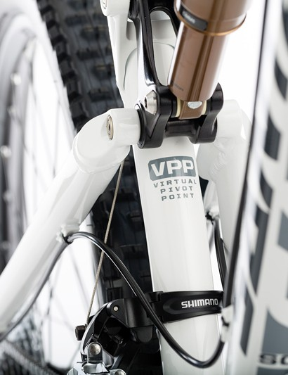 Naturally, Santa Cruz has equipped the new Solo with its trademark VPP suspension design