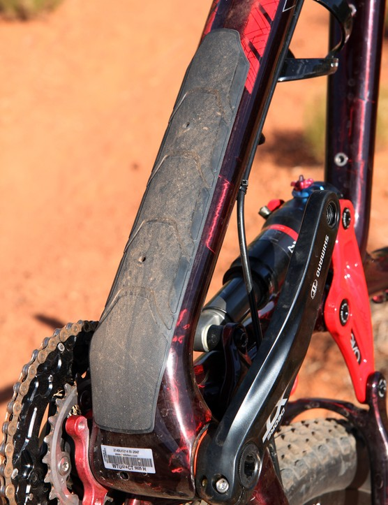A meaty guard protects the bottom of the down tube from rock strikes