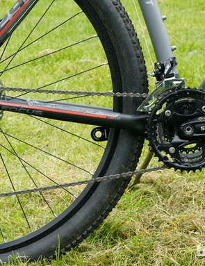 At the core of the drivetrain is a Shimano crankset with SLX and ST derailleurs