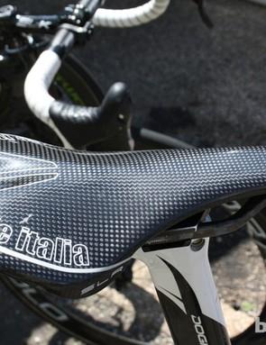 On some of the Movistar Squad's road bikes, riders took full carbon Selle Italia SLR Tekno saddles