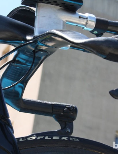 Swan-necked drops on Froome's TT bike look like the UK Sports Institute special