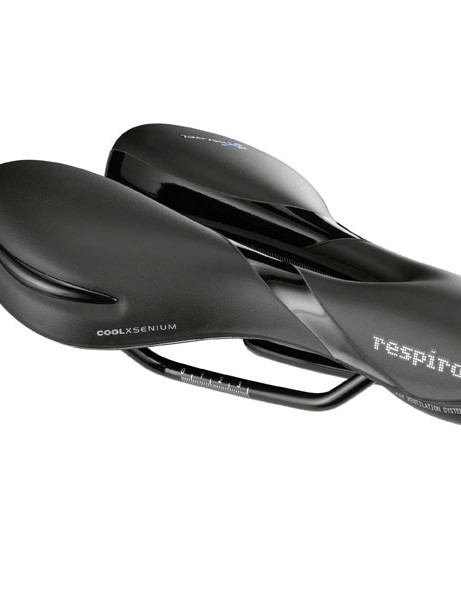 The Respiro Soft Athletic, as with most of the Respiro models, channels air from a scoop under the nose tip down through the saddle body