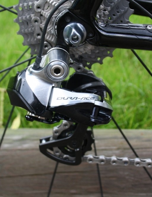Nothing but top of the range Shimano Dura-Ace Di2 11-speed for Sky's leader