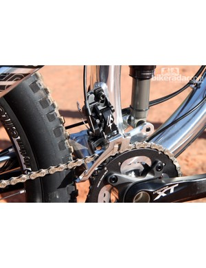 The direct-mount front derailleur bolts onto a welded tab. Unlike on Trek's new carbon fiber Fuel EX 29 models, the tab unfortunately isn't removable if you plan on running a 1x setup