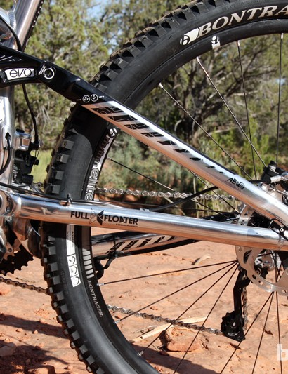 The single-pivot rear end is burly and effective