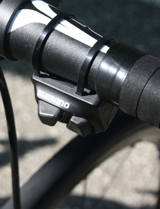 Many of the Shimano-sponsored teams' top riders operated the Di2 thumb shifters – perfect for the climb to Vamorel.