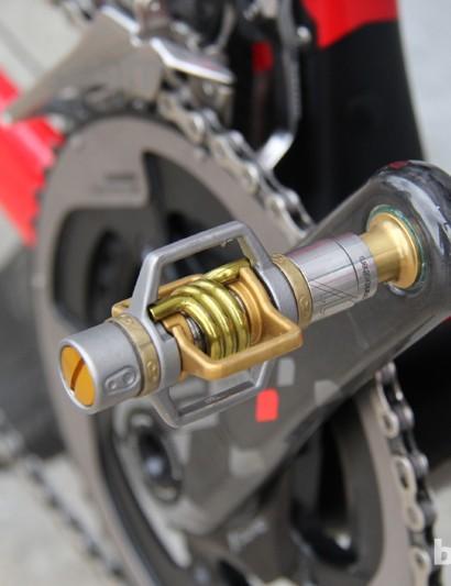 Rusch runs Crankbrothers' lightweight Eggbeater 11 pedals