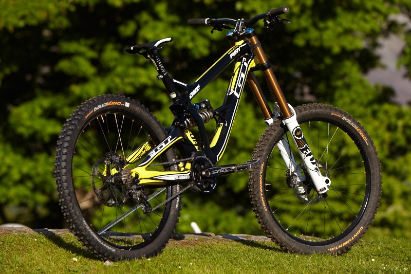 For 2014, the Fury has 220mm of travel and a more progressive suspension stroke