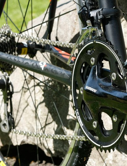 Shimano 105 FC-CX50 chainset is designed to provide cyclocross bikes with precise shifting, even when it gets muddy