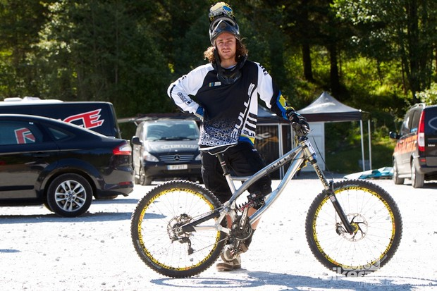 Wyn Masters is back on the World Cup scene aboard the new Bulls Bikes DH rig. The New Zealand rider has been plagued with injury over the past couple of years and yet to return to the form he showed back in 2010, qualifying 5th in Champery, Switzerland.