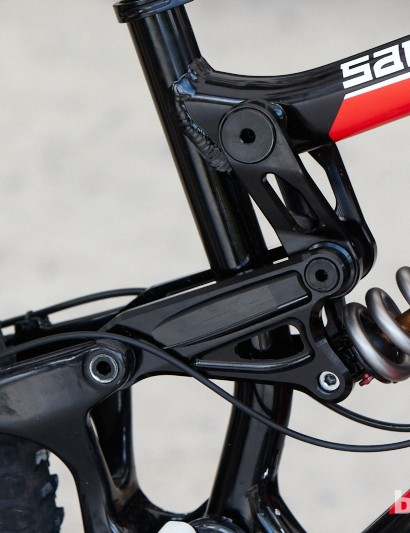 The Madison Saracen team bikes have been running a different linkage to provide a more linear suspension stroke and more tuning options. Whether the linkage will go into production we just don't know.