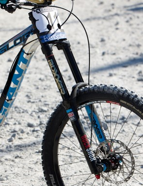 Danny Hart is one of a few lucky riders to get to run RockShox BlackBox Boxxer's with their brand new bladder-style Charger Damper cartridge. According to Danny's mechanic, Dave Garland, the new cartridge offers external low speed compression and rebound adjustment as well as RockShox's new wiper seals, which are said to work in harmony with the new BlackGold stanchion coating. The cartridge is said to have less top out and a more coil-like feel than previous models.