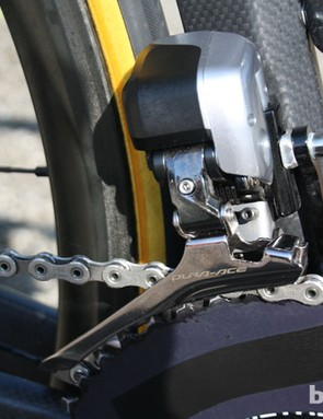 The electronic Shimano Dura-Ace front derailleur is set up for Sanchez's choice of Osymetric chainring