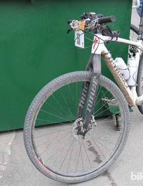 While most racers choose to use 'cross bikes, or something with dropbars, rigid 29ers with narrow (1.75-1.9in) tires and rigid forks are also common at gravel events