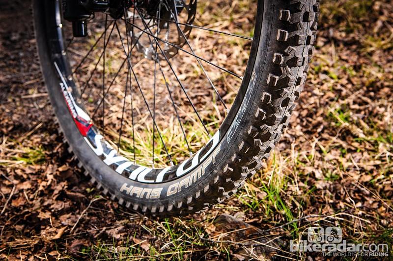 Schwalbe Hans Dampf Super Gravity tyre