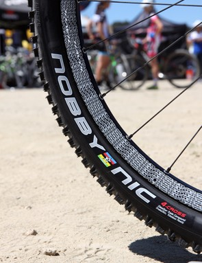 Easton Havoc wheels are wrapped with racer-only Schwalbe Nobby Nic 4-Cross tires with a harder center for faster rolling but softer sides for more traction in the corners