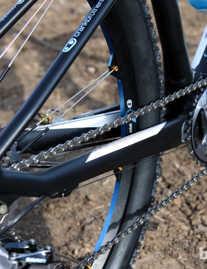 Chunky chain stays and thru-axle dropouts help keep the rear end in line while Scott's trademark 'SDS' seat stays lend a surprising amount of comfort